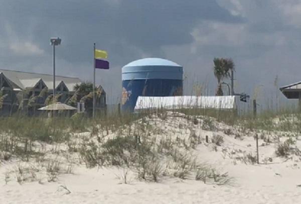 FLAGS AT ORANGE BEACH_384723