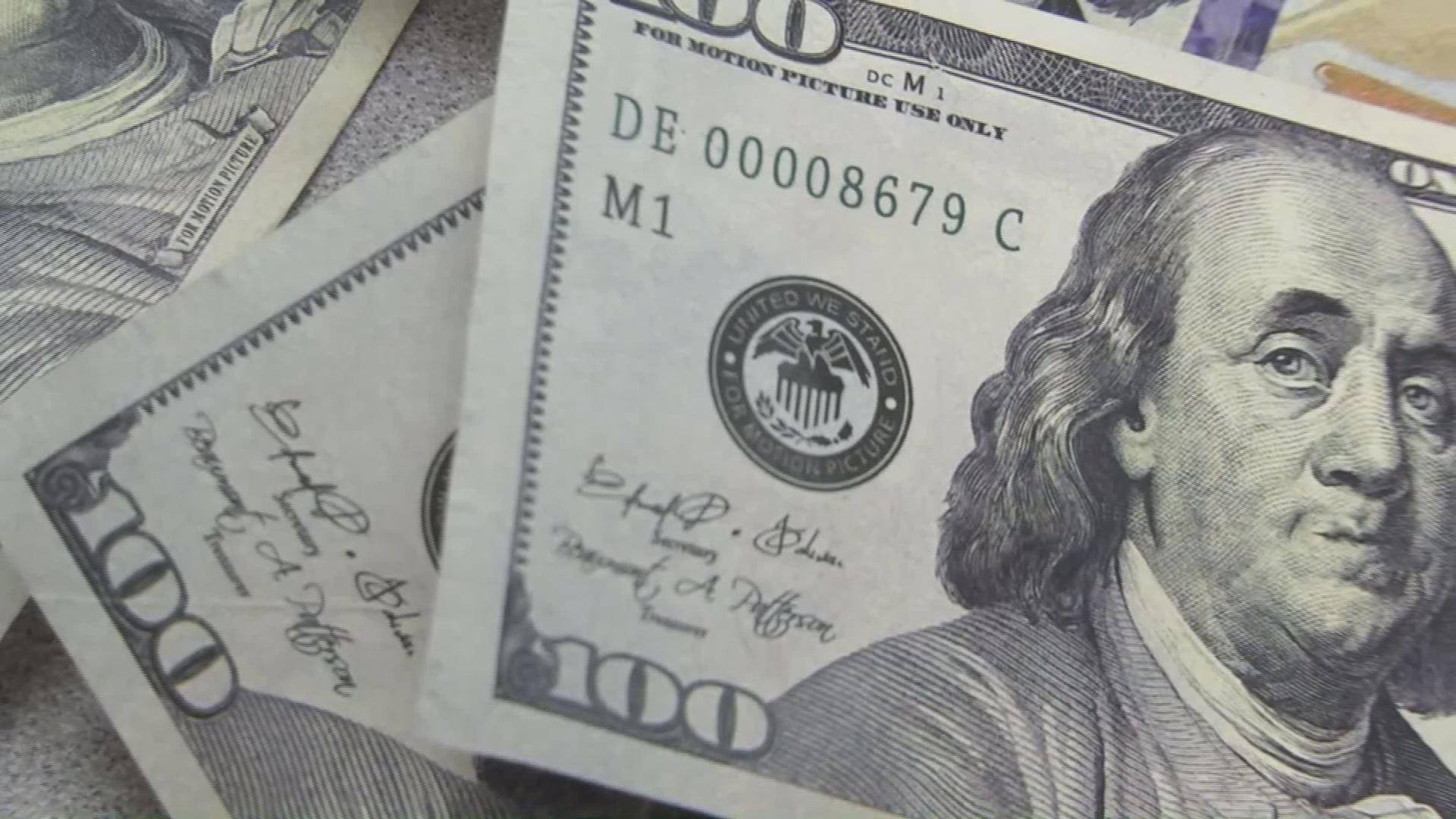 fake money counterfeit_413228