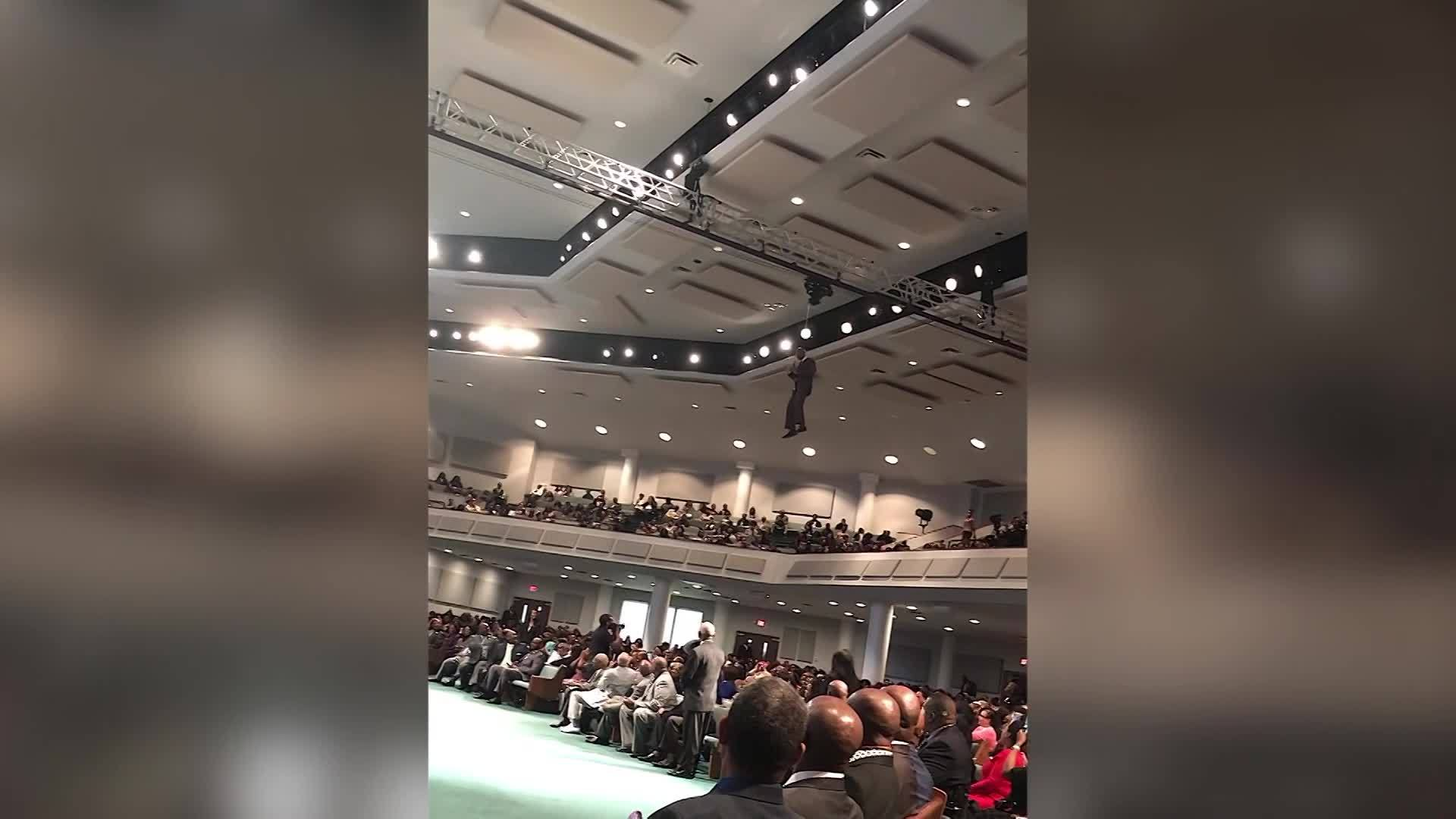 Mississippi pastor zip lines to pulpit