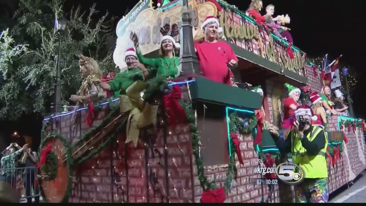 Huge Turnout for Annual Pensacola Christmas Parade