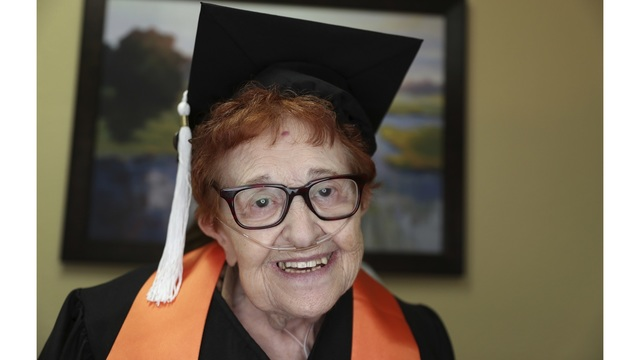 Octogenarian College Graduate_1544986292325