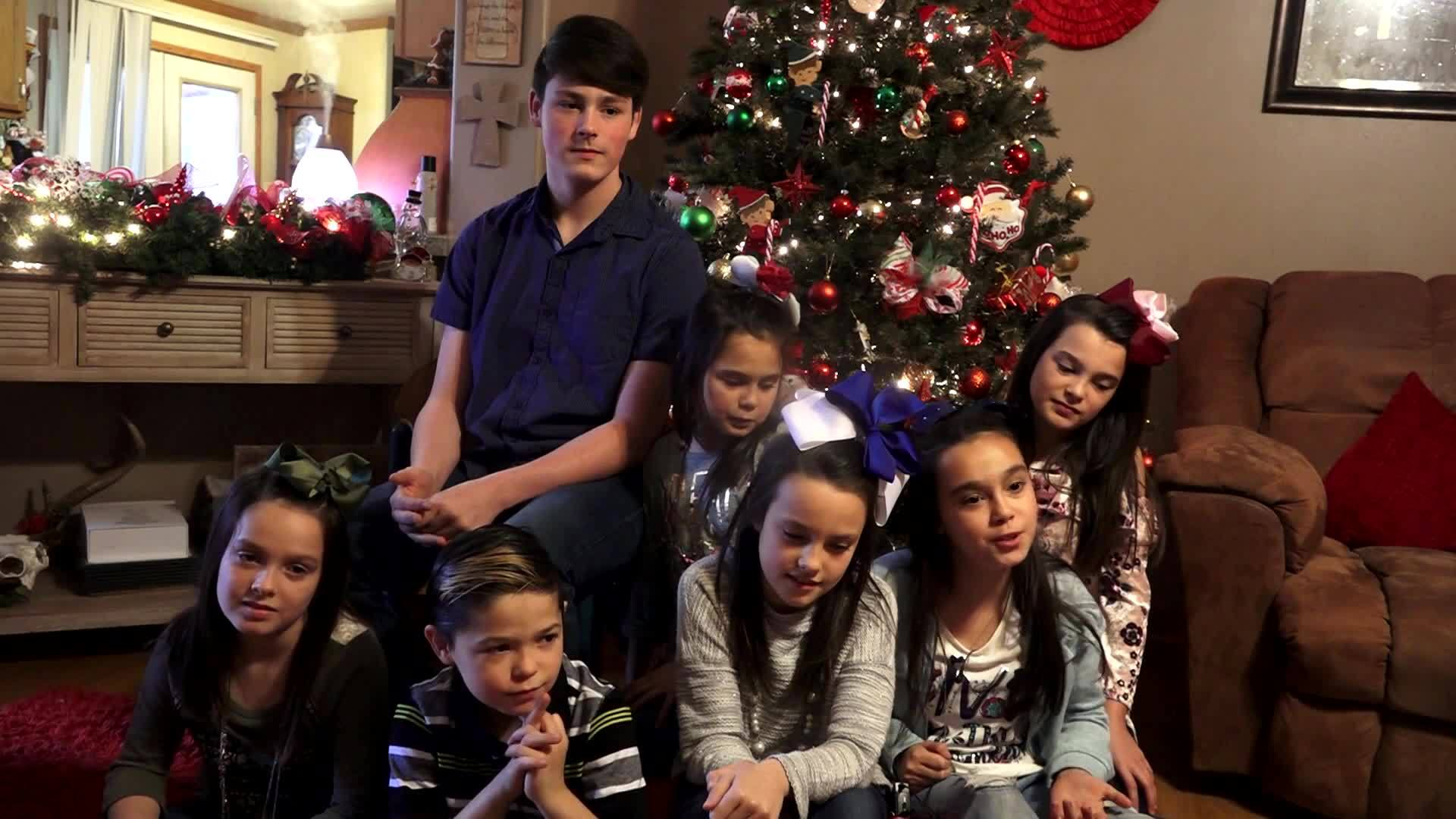 VIDEO: Couple adopts 7 siblings out of foster care — just in time for Christmas