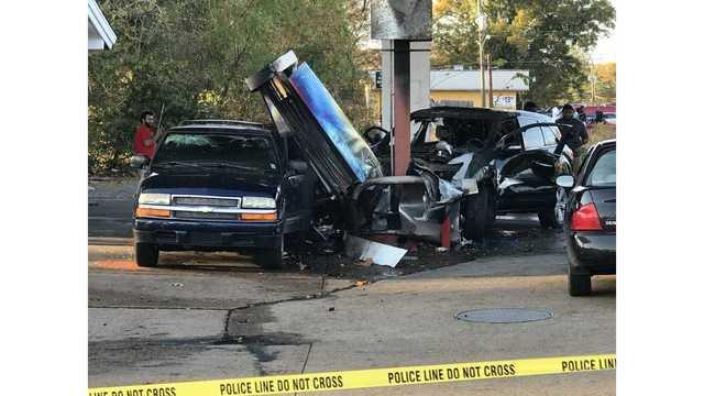 gas station burnt car_1543704402362.jpg_63799095_ver1.0_640_360_1543718537935.jpg.jpg