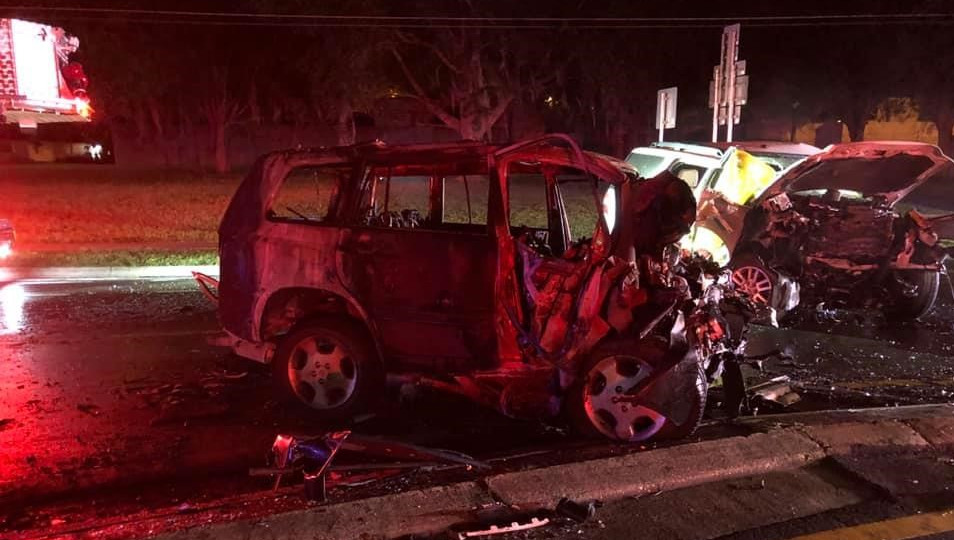 5 dead when cars burst into flames after Florida crash