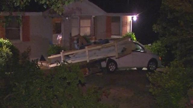 car into house packard_413065