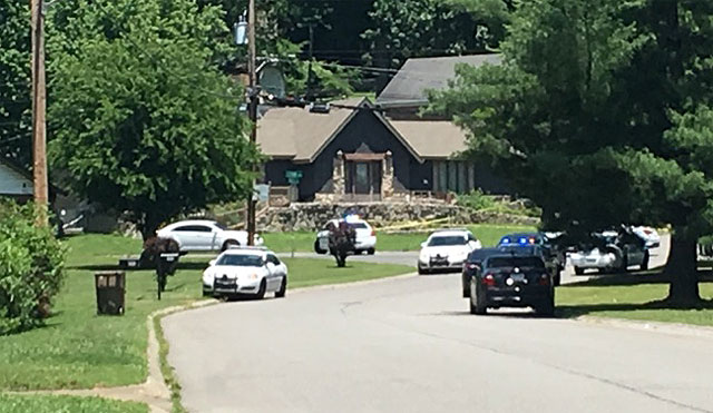Phipps Drive shooting, 14-year-old shot killed_415929