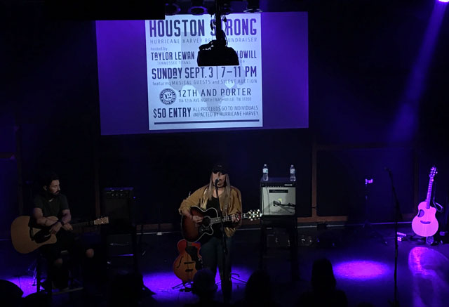 Houston Strong at 12th and Porter_440591