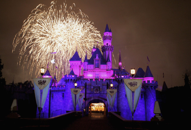 Disneyland 50th Anniversary Celebration_459894