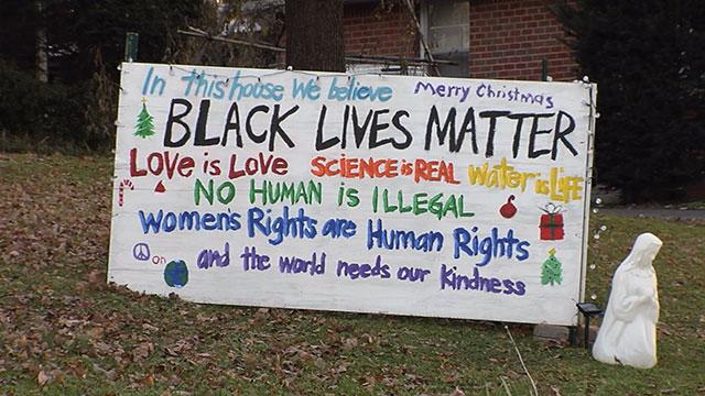 Amie Thurber East Nashville sign_463307