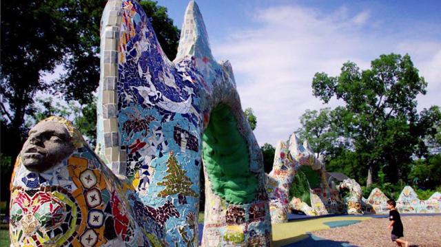 Dragon Fannie Mae Dees park
