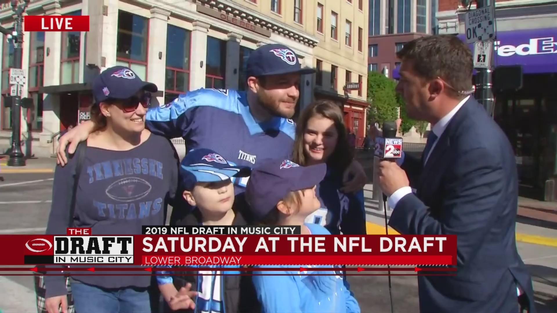 NFL Draft fans, marathon runners converge on Lower Broadway