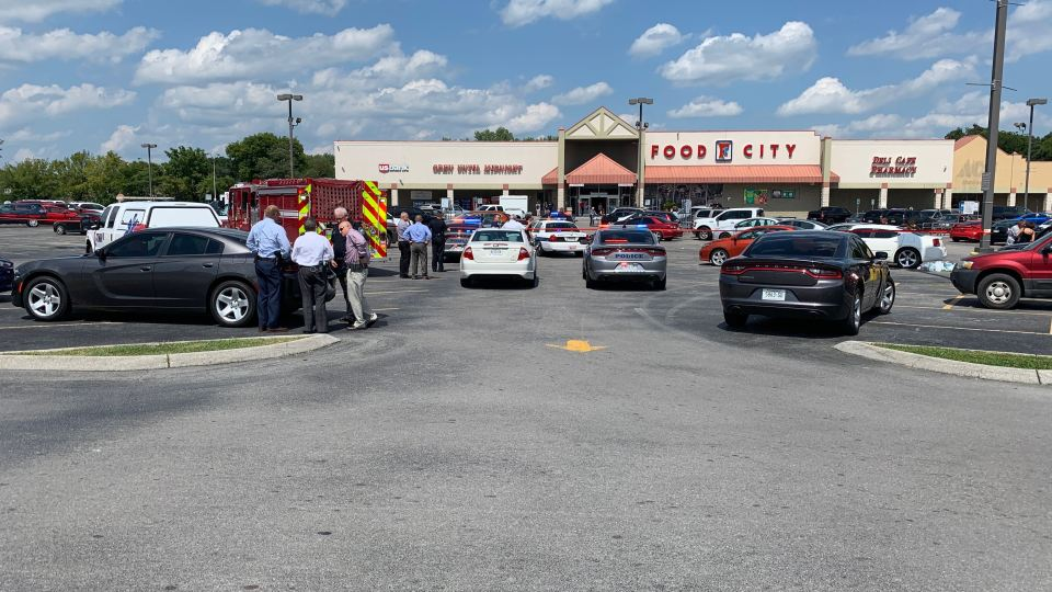 Knox Co  child dies after being left in car at grocery store