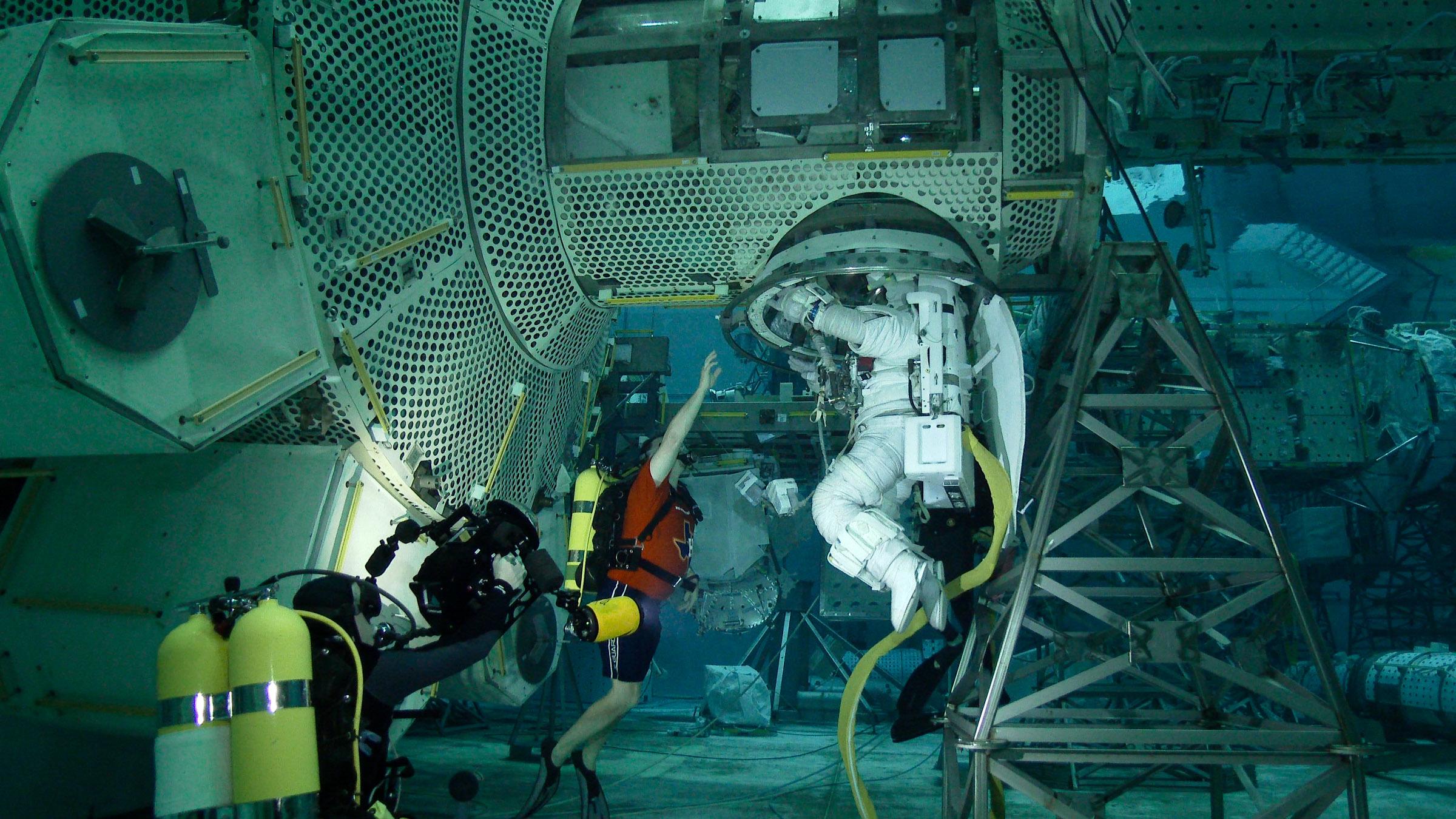 astronaut   Wyoming / Kentwood Now