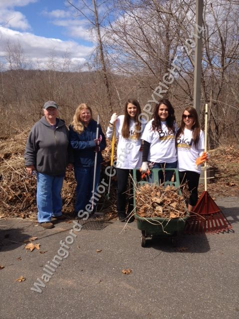 Quinnipiac University students and Wallingford Garden Club Members 011