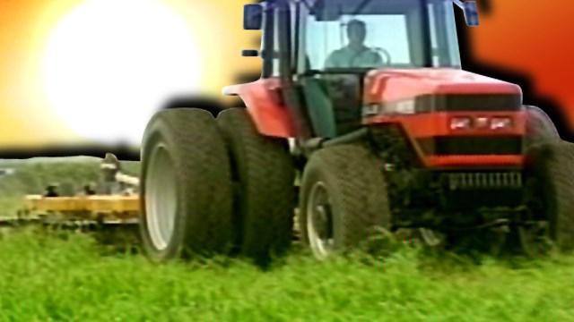 Farm Tractor_133468