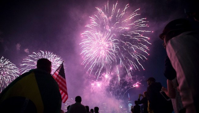 Fireworks Pollution AP_62764