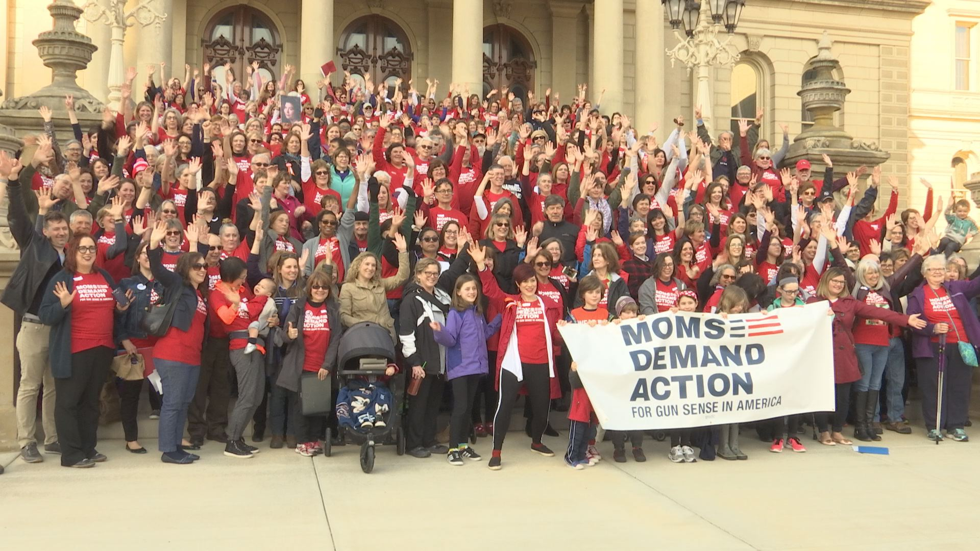 MOMS DEMAND ACTION_376981