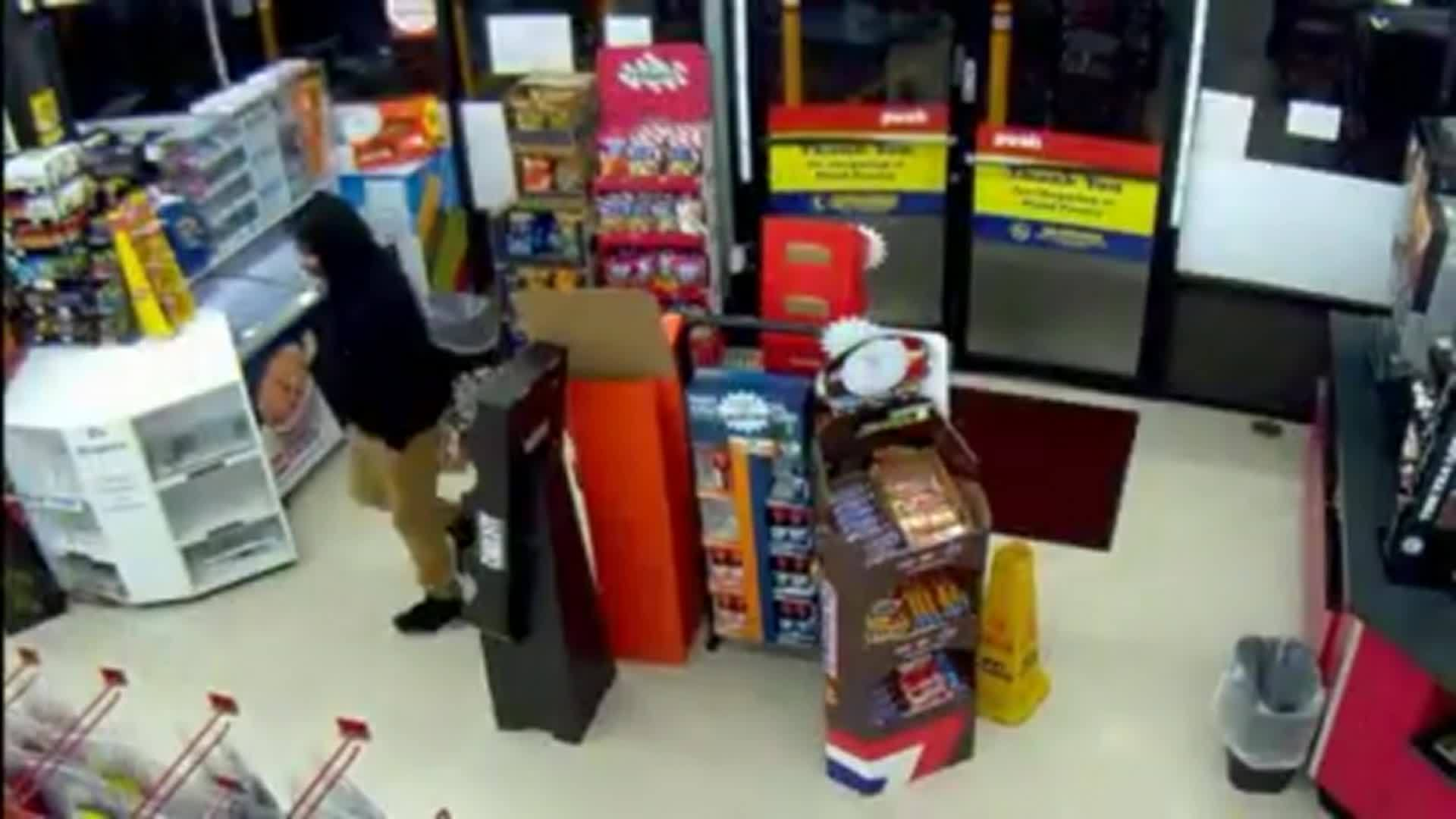 Hatchet-wielding thief runs into gun-toting store clerk