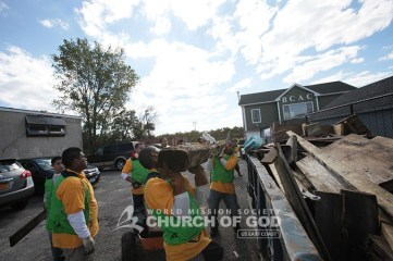 good Samaritan, Jamaica bay, hurricane sandy, rockaway, world mission society church of god, american littoral society, volunteer, sandy debris