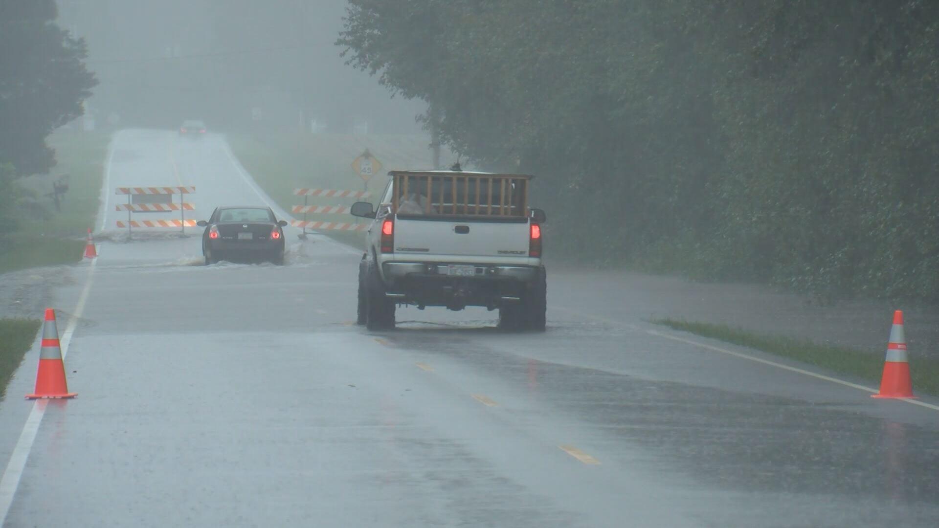 bertie-flooded-road_276088