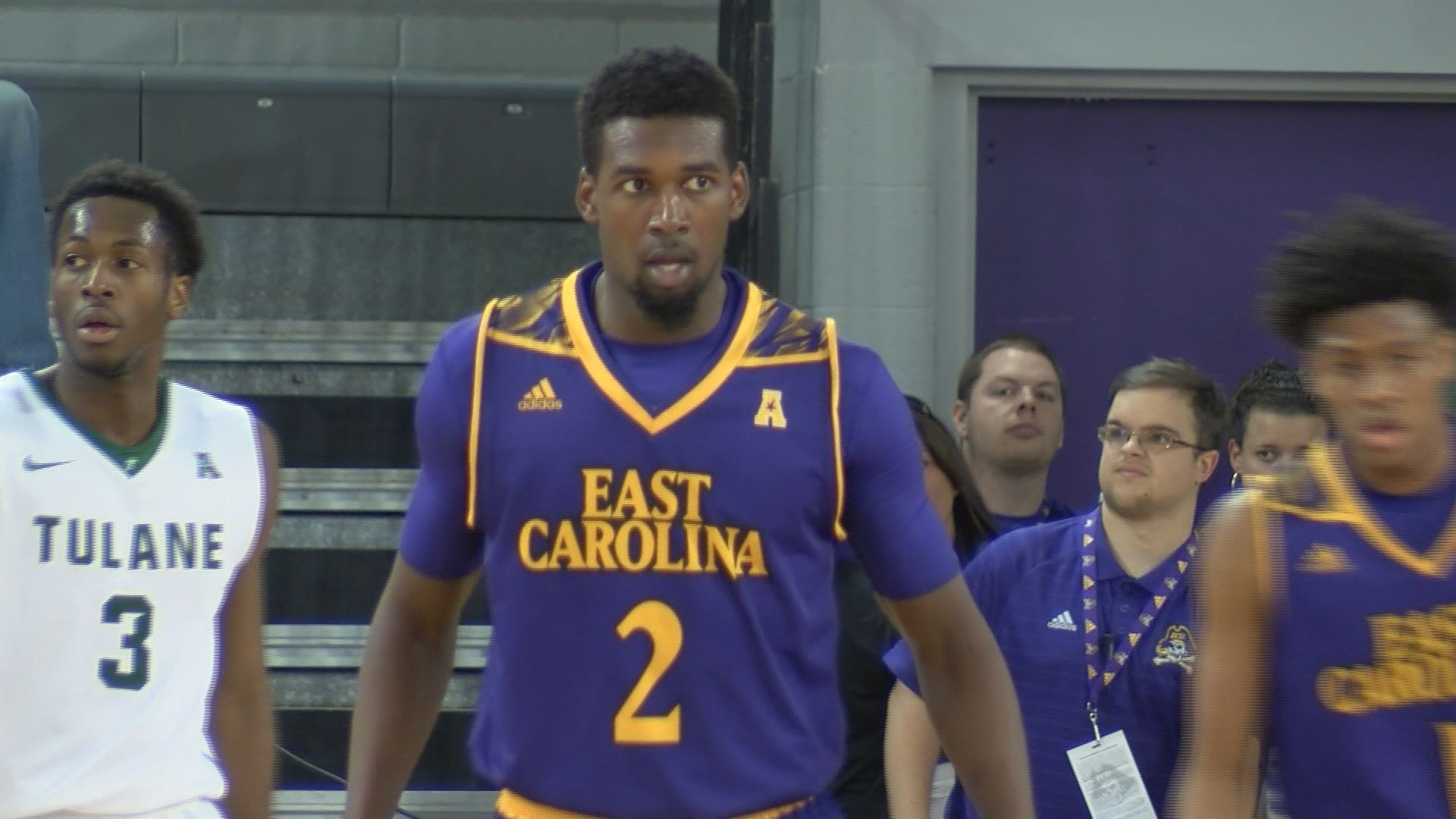 caleb-white-ecu-mens-basketball_344352