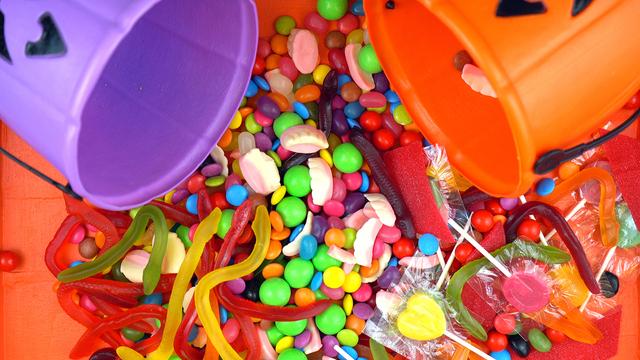 Halloween Trick Or Treat Candy Overhead Jack-o-lantern Buckets_492869