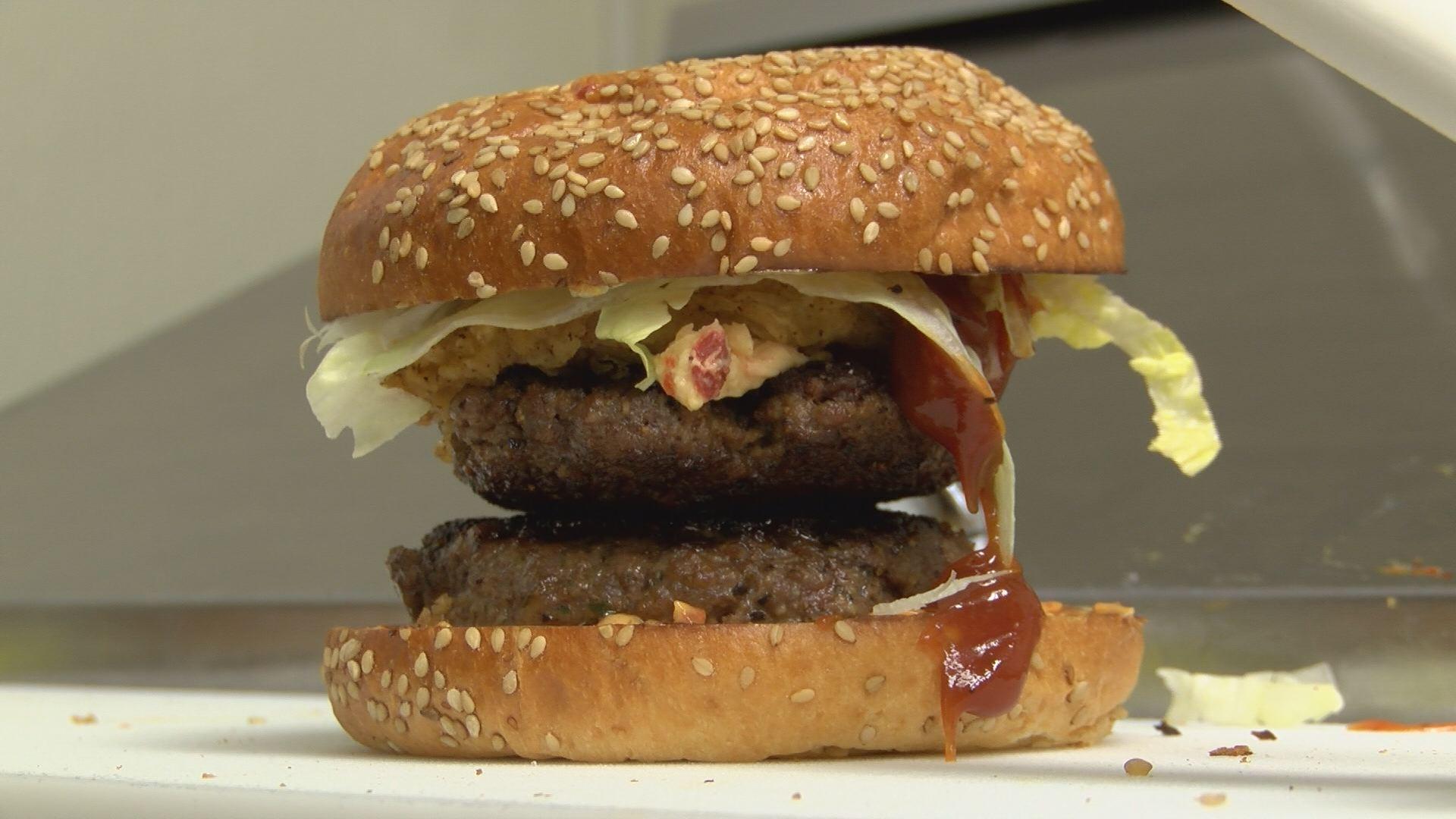 whiskey burger_577480