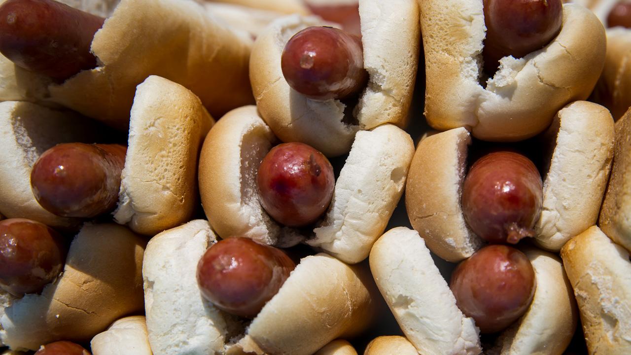 hot dog_1529630646774.jpg-873772846.jpg