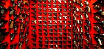 handguns_on_wall