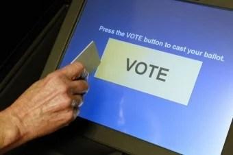 touchscreen-voting-machine