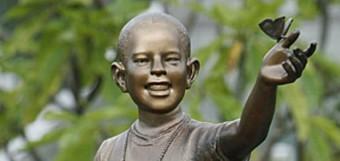 obama-statue