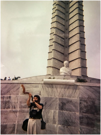 Jonathan Cahn sounding the Jubilee shofar in front of the star monument of Revolutionary Square, the day before the gathering