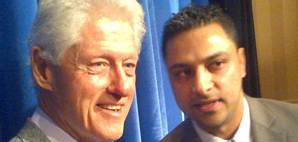 Imran Awan pictured alongside former President Bill Clinton (Photo: LinkedIn)