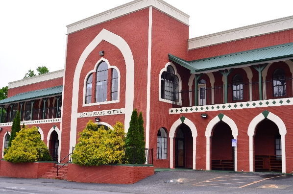 The Georgia Islamic Institute and mosque is part of the Dar ul-Ulam network of mosques, headed by a Pakistani imam.