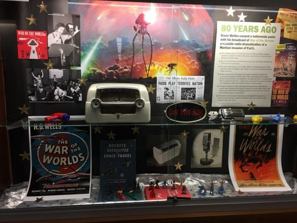 War of the Worlds, lobby display case