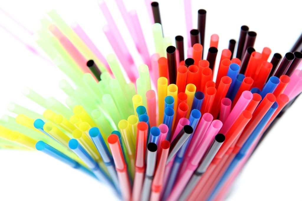 ban plastic straws