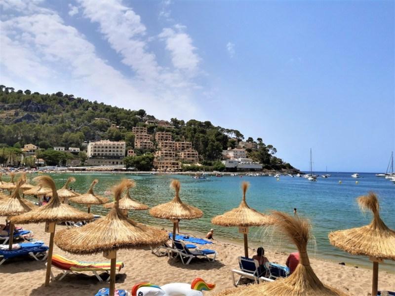 Strand in Soller Mallorca Spanien Am Strand von Soller in Spanien