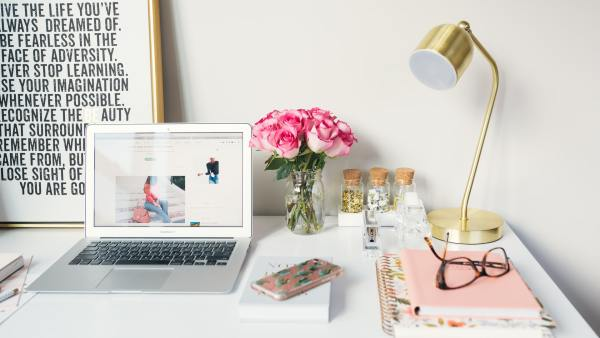 running a successful business blog featured image
