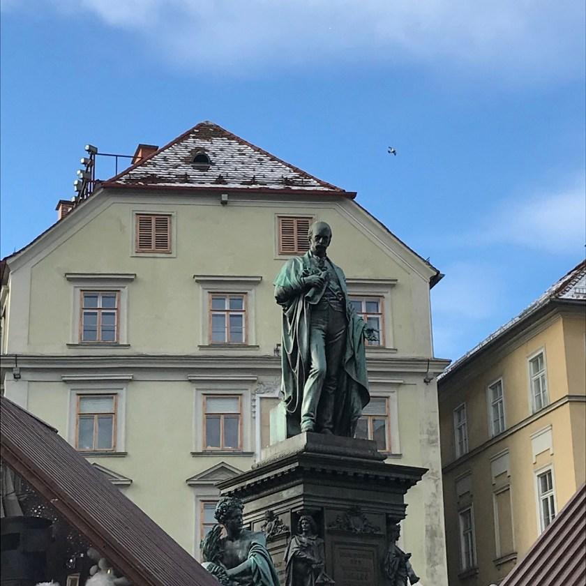Erzherzog-Johann-Denkmal am Hauptplatz