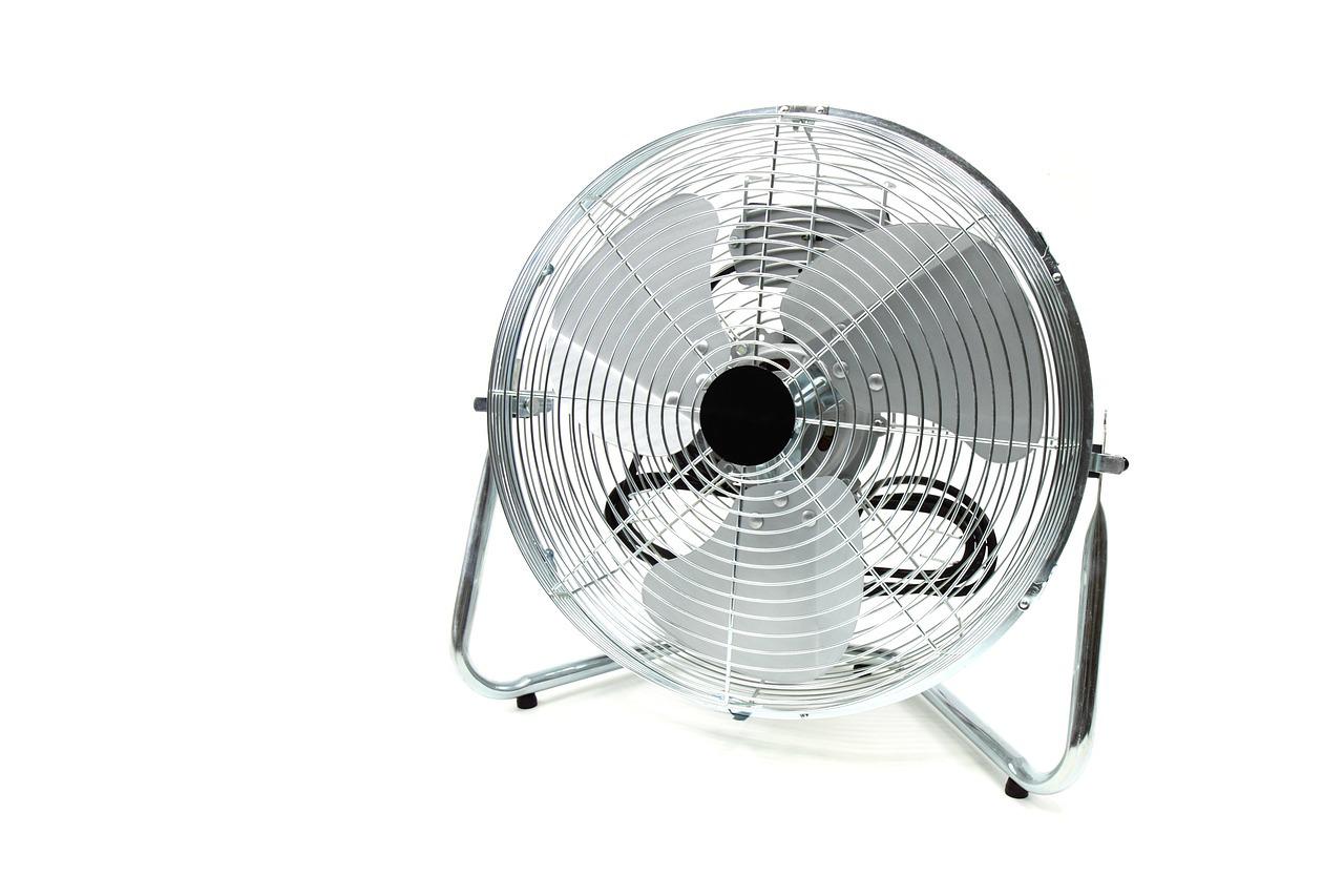 Standventilator gegen die Hitze