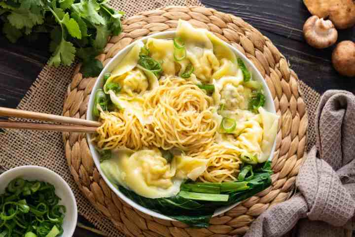 Wonton and egg noodle soup