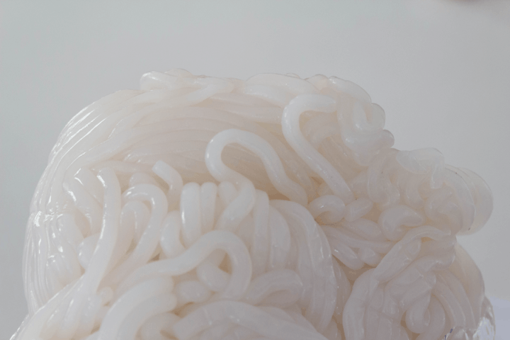 Unpackaged tapioca noodles