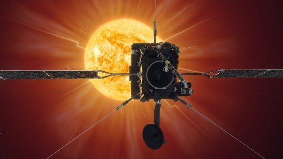 Solar orbiter spacecraft in front of Sun.