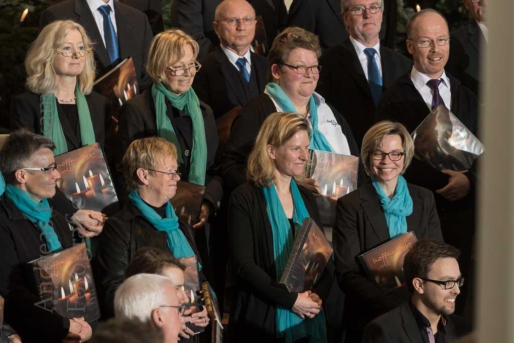 Weihnachtssingen mit dem Chor conTakt in der Kirche St. Bernhard in Angelmodde-West. Foto: A. Hasenkamp, Fotograf in Münster.