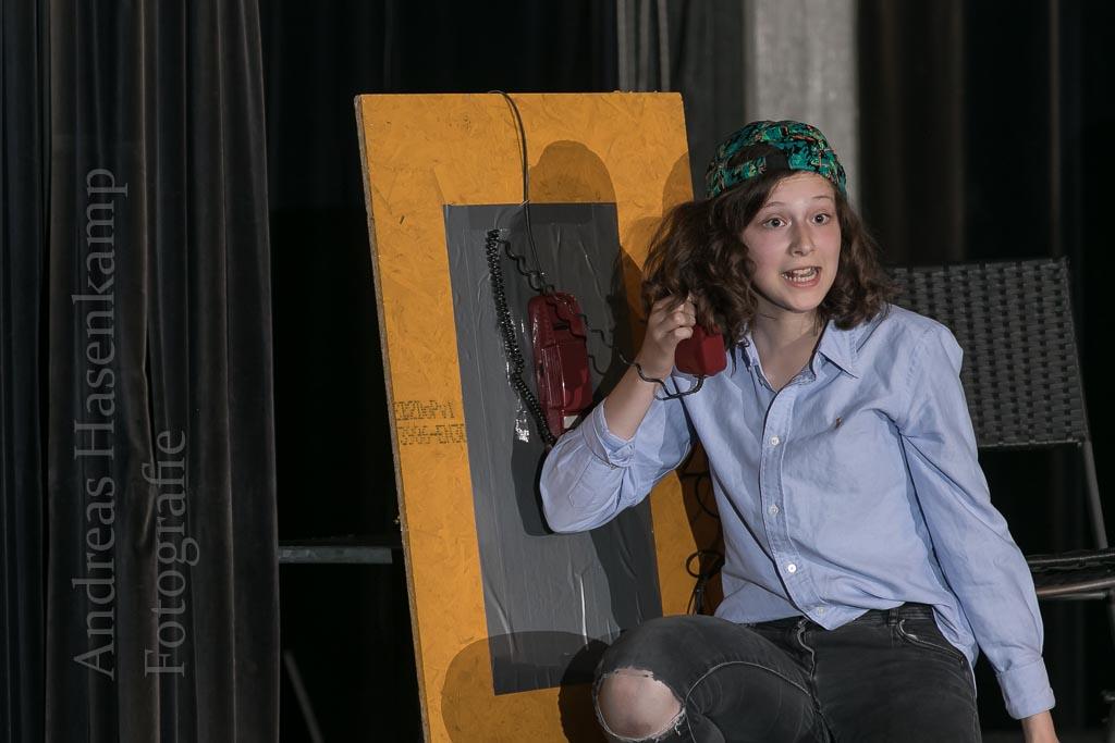 """Aufführung von """"Emil und die Detektive"""" durch die Musical-AG des Gymnasiums Wolbeck im PZ des Schulzentrums Wolbeck. Fotograf: A. Hasenkamp, Münster."""