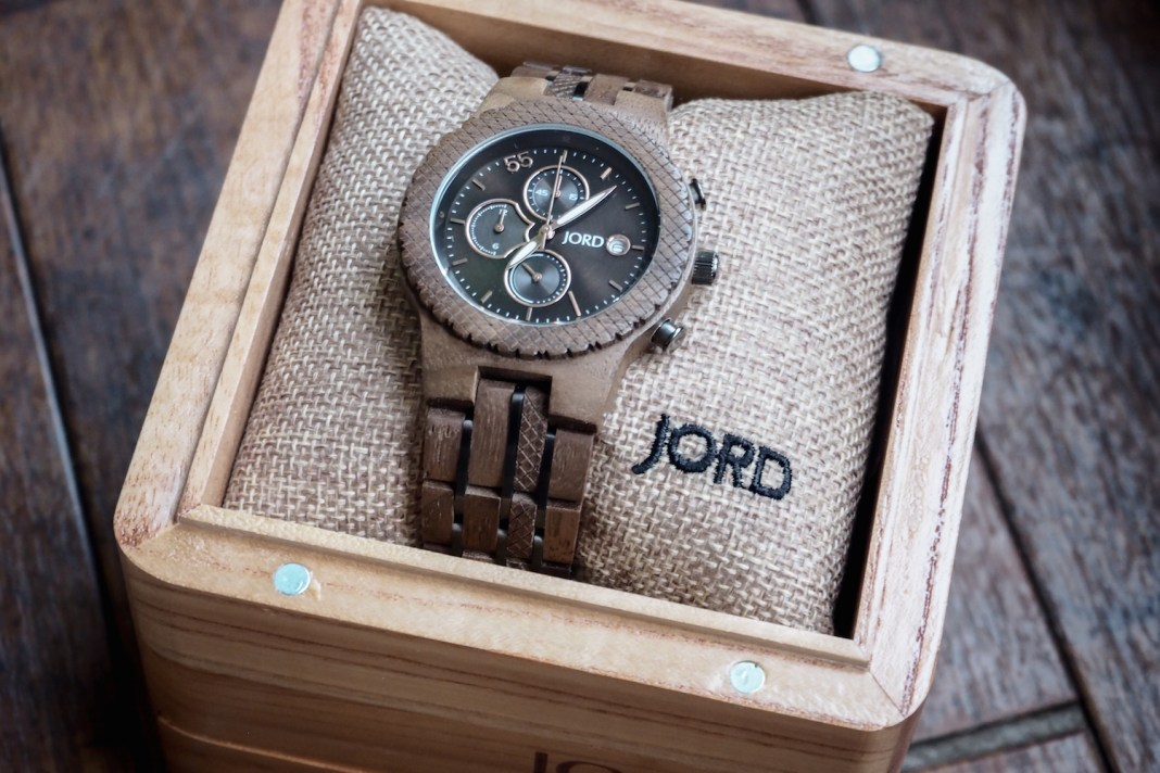 Wooden JORD Conway watch resting in wooden box
