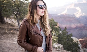 Wolf & Stag Adventures: Vegas & The Grand Canyon | Wearing a Massimo Dutti brown leather jacket, A.P.C. sweatshirt, Madewell scarf and Neubau Eyewear sunglasses at the Grand Canyon |