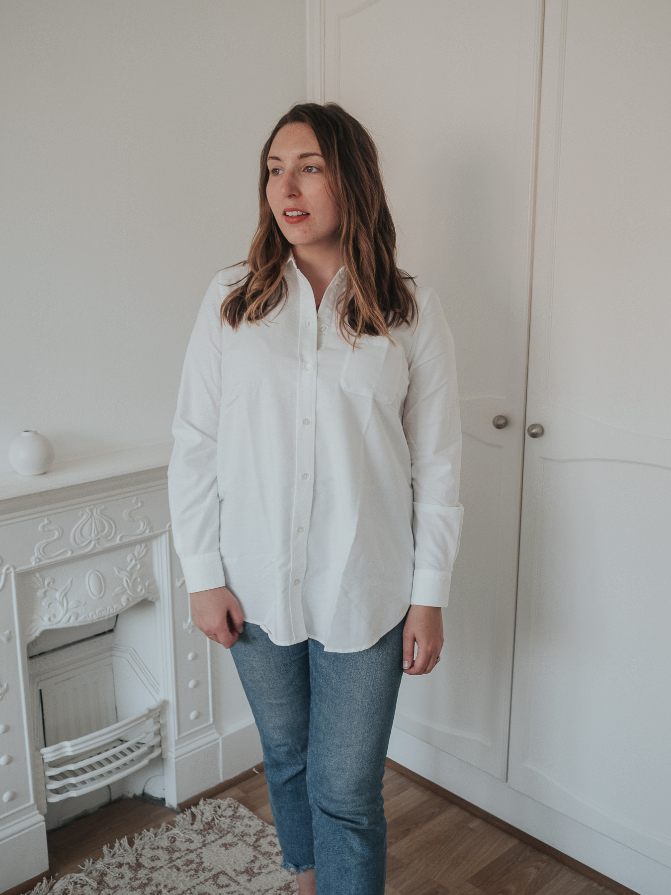 An honest review of Sezane | Tomboy Mommy white button-up shirt, maternity style | W&S