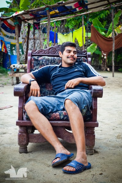 Marcos El Narko lounging in the Kuna throne