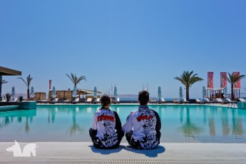 Flaunting our Enduro Spirit jerseys at the Paracas Hilton, official HQ of the Dakar Desafio Inca